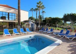 Teneriffa. Luxuriöse Villa mit 10 SZ, beheiztem Pool und riesigem Garten in Chayofa